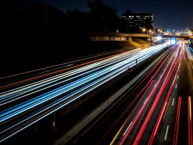 cars-speed-lights
